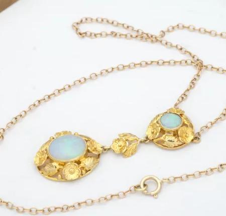 Art Nouveau opal necklace